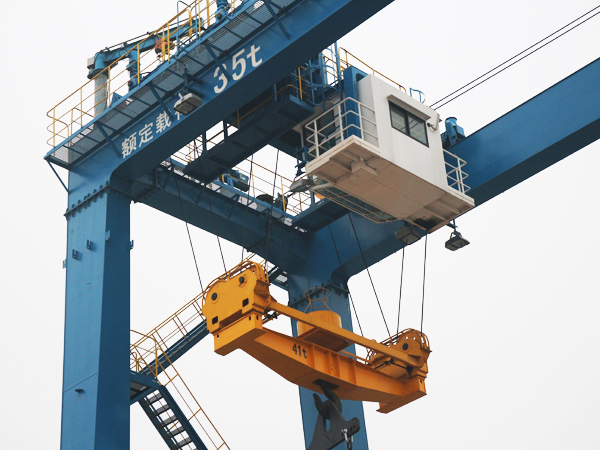 Rubber Tyre Container Gantry Crane / RTG Container Crane