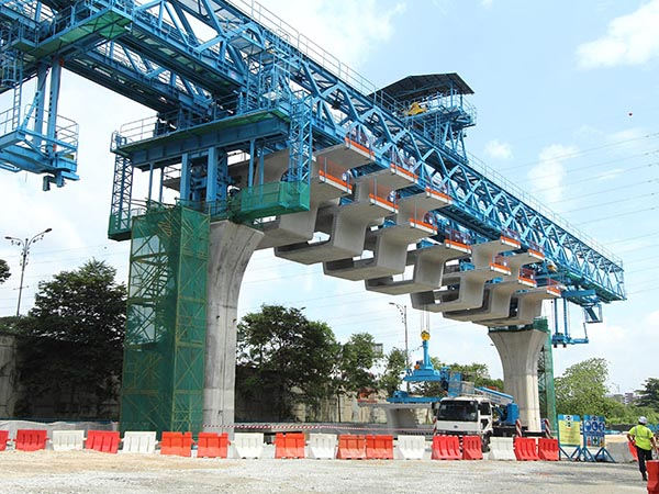 Overhead Segmental Launching Gantry Huada Heavy Industry