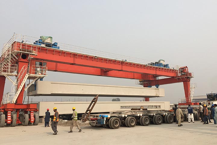 160 Ton 40 M Straddle Carriers